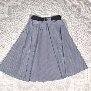 Zara Basic Pinstripe mid-length skirt XS